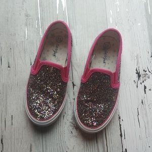 Girls Glitter shoes!